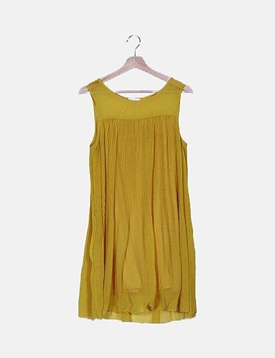 Vestido amarillo plisado
