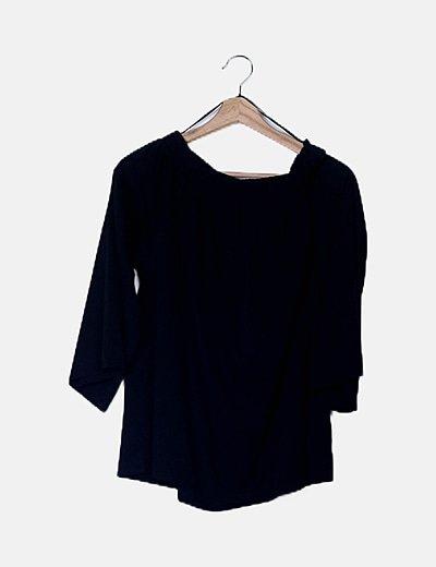 Blusa negra escote bardot