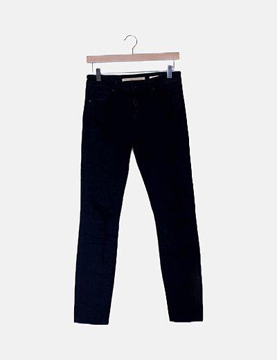 Pantalón pitillo negro ripped