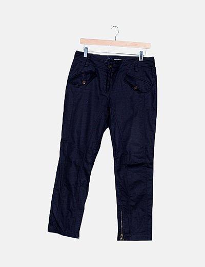 Pantalón azul marino texturizado detalle bolsillos
