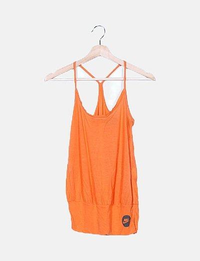 Camiseta naranja de tirantes