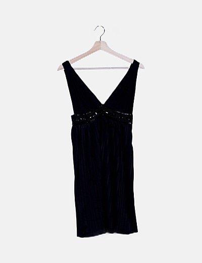 Vestido negro de tablas