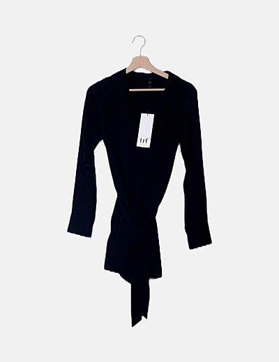 Camisa negra solapas