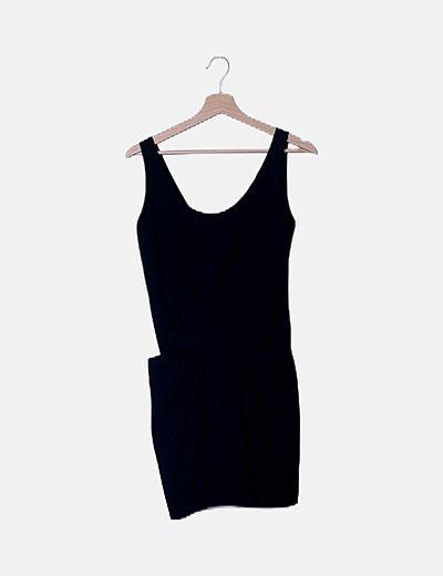 Vestido negro bolsillos