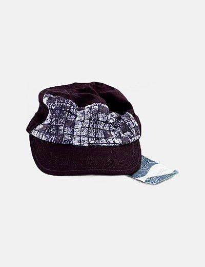 Gorra marrón estampada