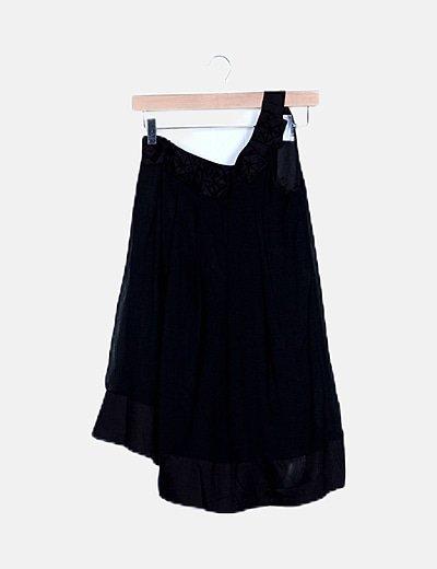 Blusa negra asimétrica