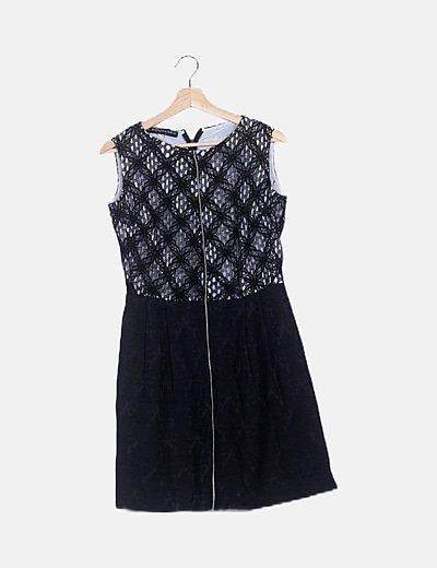 Vestido negro detalles bordados