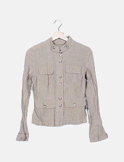 Camisa beige de lino multibolsillos