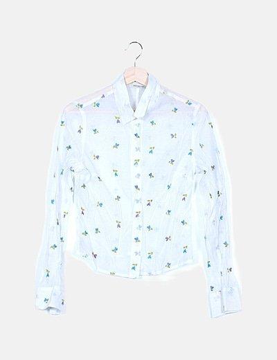 Camisa blanca semitransparente bordado floral