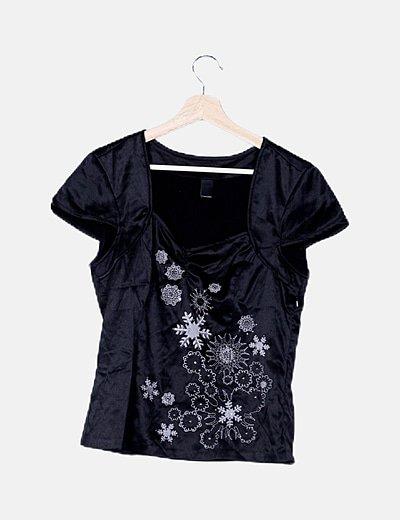 Blusa negra satén bordado flores