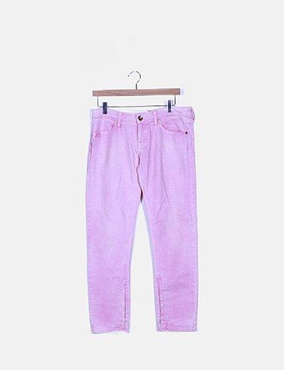 Pantalón rosa pitillo