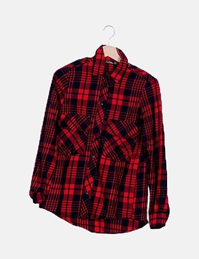 Camisa roja y negra cuadros