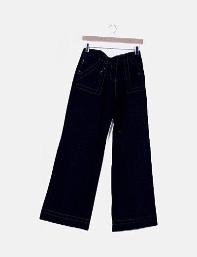 Pantalón azul marino corte recto detalles bordados
