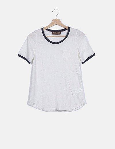 Camiseta blanca ribete azul