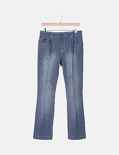 Pantalón chino gris detalle en bolsillos