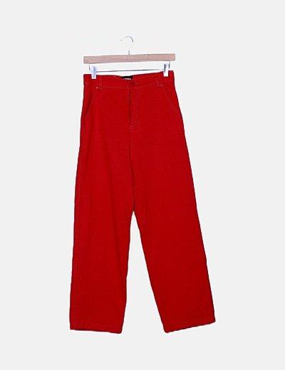 Pantalón rojo recto