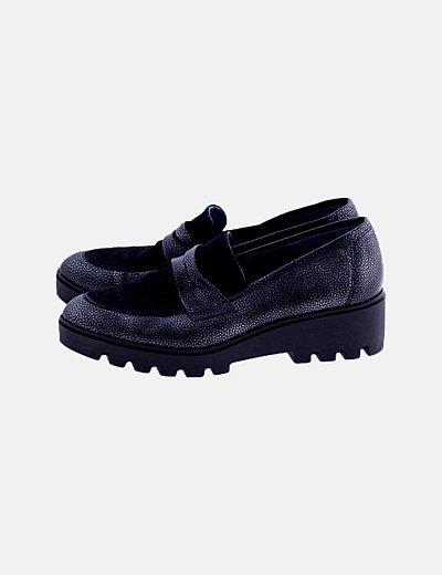 Zapato encerado negro