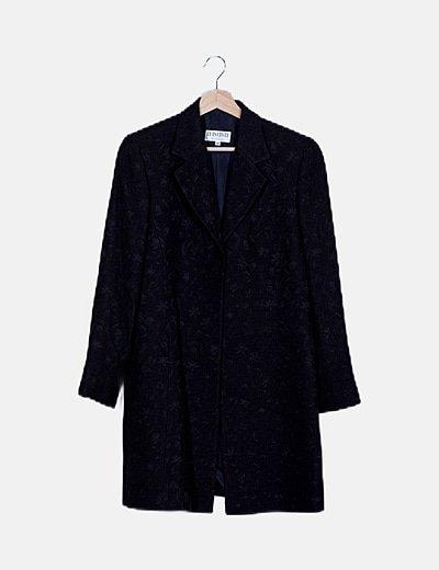 Conjunto chaqueta y falda negro bordado floral