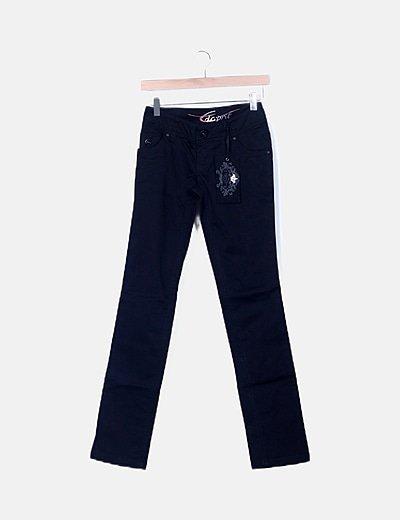 Jeans negro detalle bolsillos