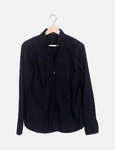 Camisa negra lisa