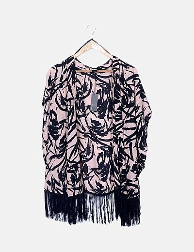 Kimono rosa animal print con flecos