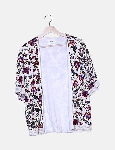 Kimono beige estampado floral