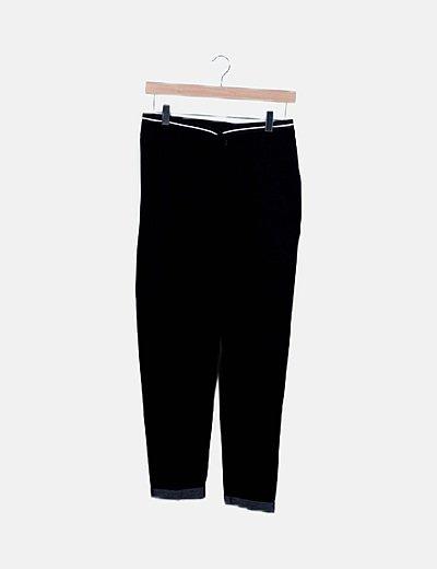 Conjunto blazer negra y pantalón baggy negro