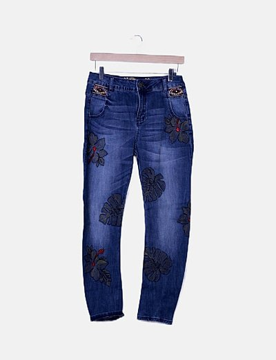 Jeans denim bordado floral