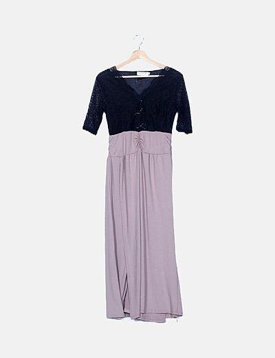 Vestido taupe combinado con encaje