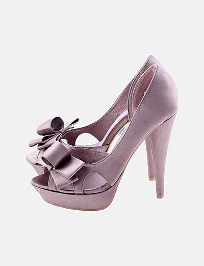 Zapato peep toe satinado