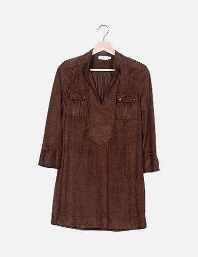 Vestido marrón con bolsillos