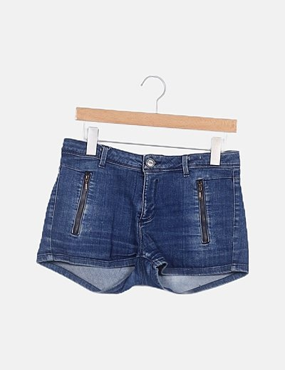 Short denim efecto desgastado