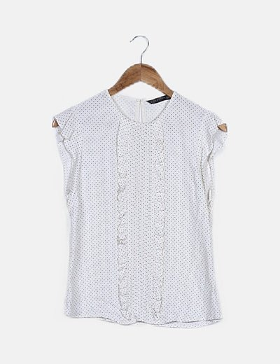 Blusa blanco con topitos y volantes
