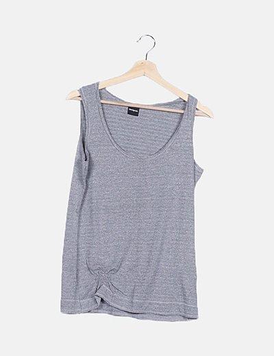 Camiseta gris de rayas detalle glitter