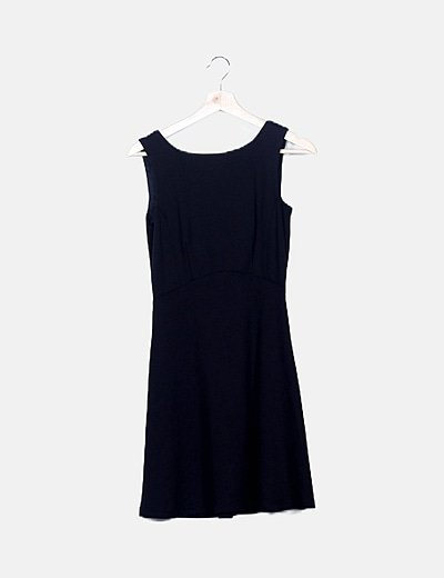 Vestido negro lazos espalda