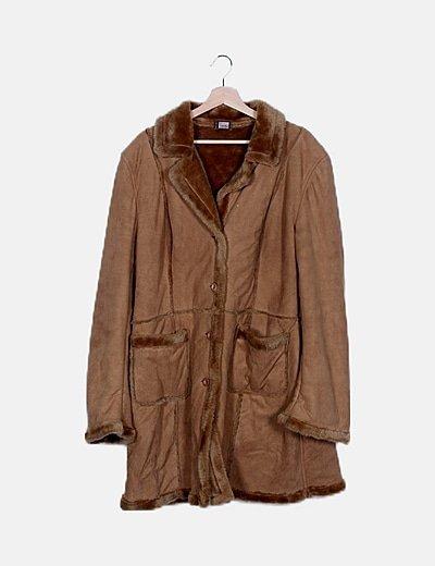 Abrigo marrón ante con pelo