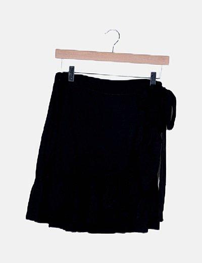 Falda mini negro volantes asimétrica