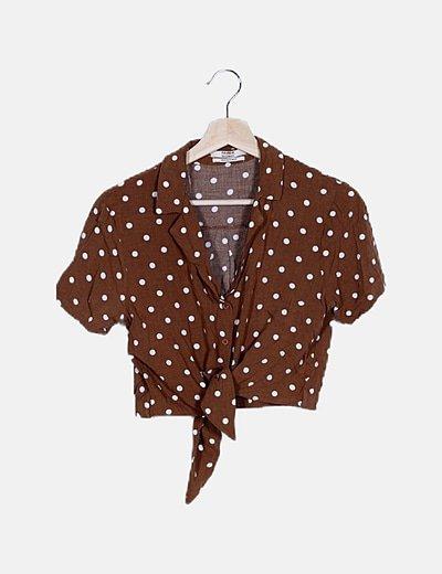 Camisa crop marrón topos blancos