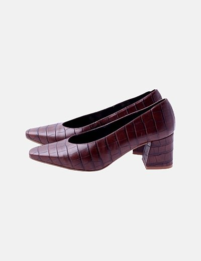 Zapatos kitten heels marrón texturizado