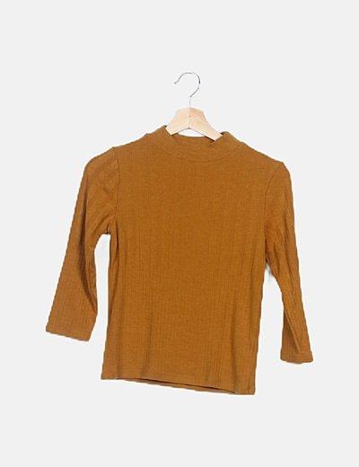 Suéter mostaza manga larga