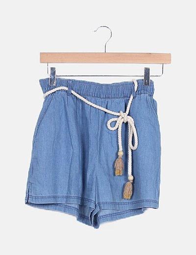 Short azul fluido con cinturón