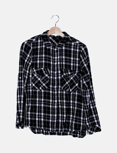 Camisa cuadros negros
