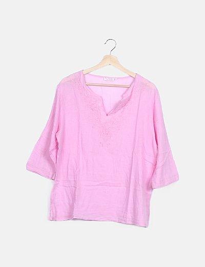 Blusa rosa detalle bordado