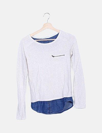 Jersey beige combinado con camisa