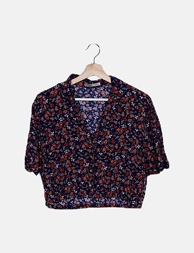 Camisa crop azul floral
