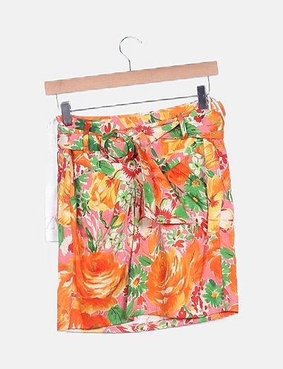 Falda mini estampada multicolor con cinturón