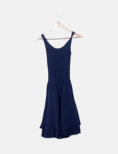 Vestido azul marino de volantes