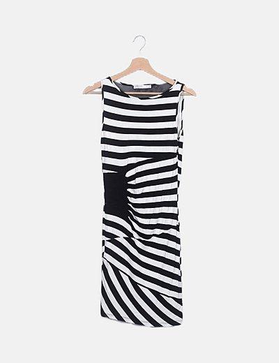 Vestido blanco y negro combinado