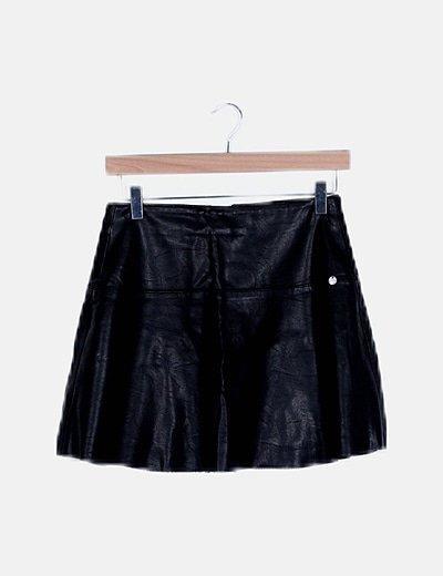 Falda mini polipiel negra