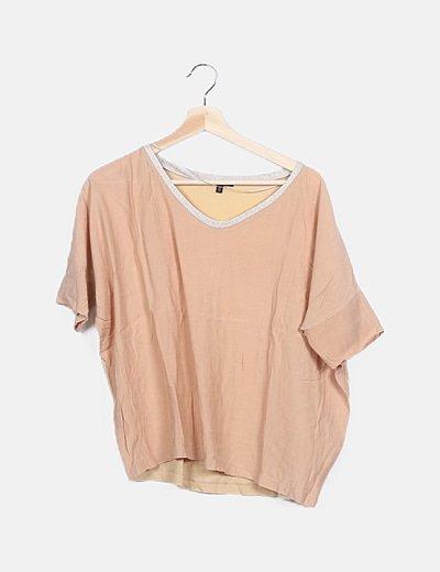 Camiseta nude detalle glitter